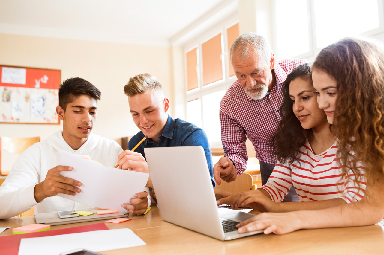 an outlook on the average high school students life High school teachers help prepare students for life after graduation they teach academic lessons and various skills that students will need to attend college and to enter the job market.